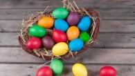 In credinta crestina, ouale de Paste simbolizeaza mormantul lui Iisus Hristos, care s-a deschis in noaptea Invierii. Acesta este si motivul pentru care crestinii, atunci cand se intalnesc sau ciocnesc […]