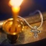 Când simți că te apasă crucea e semn că mergi în urma Domnului