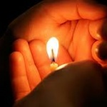 Ce facem cu lumânarea folosită în noaptea de Înviere?