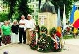 """""""Acela ce zace aici, înaintea noastră, n-a fost al nimănui, ci al tuturor românilor. Nu e dar de mirare că toți îl plângem; dar lacrimile noastre, ale tuturor, […]"""