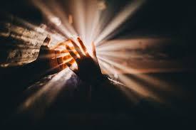 """""""Eu sunt Lumina lumii; cel ce-Mi urmează Mie nu va umbla întru întuneric, ci va avea lumina vieții"""", spune Domnul. Prin urmare, cel care se abate de la Domnul […]"""